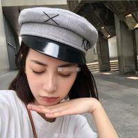 أزياء خمر موزع الصحف قبعة المرأة التطريز العسكرية الصوف الخباز بو البريطانية الكلاسيكية أنثى غاتسبي شقة القبعات
