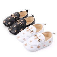 Brand Baby Boy Scarpe Infant Neonato Calzature Soft Suola con Ape Stars Sneakers in pelle Toddler Mocassini Regalo di battesimo