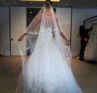 블링 스파클 웨딩 베일 라인 스톤 비즈 2 톤 3 메터 화이트 아이보리 웨딩 베일 성당 길이 사용자 정의 만든 신부 베일