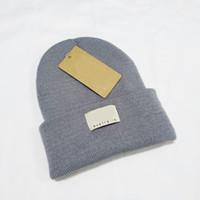 2019 Nouveau Bonnet tricoté en laine d'hiver U Skull Caps 6 couleurs avec Tag Designer tricot Chapeaux perdre sa féminité en gros