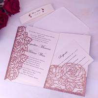Pink Gold Glitter Laser RUM Свадебные приглашения Карты с картой RSVP Band Band Band Blitter приглашает для привлечения свадебной душа.