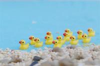Nova resina 3D Mini pequenas 4pcs Pato amarelo bonito 18 * 15 * 10mm Resina Artesanato kawaii Flatback cabochão decoração