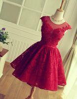 Vestidos de fiesta cortos de encaje rojo con cuentas 2019 Mini apliques de encaje de graduación Vestidos de fiesta Vestidos de fiesta Vestidos de cóctel