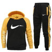 2020 Hip Hop Sporting Anzug Männer Warme Hooding Trainingsanzug Gleise Männer Schweißanzüge Set Brief Druck Große Größe Sweatsanzug Männliche Sets Weiß Schwarz