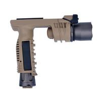 Linterna táctica LED SF M910A CREE con el montaje del tejedor de Picatinny / Empuñadura frontal Linterna combinada