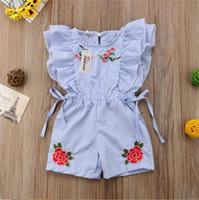 2019 мода милый малыш дети девочка цветок полосатый рюшами ползунки вышивка цветок лето синий шнуровке комбинезон одежда