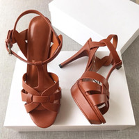 Venda-n Hot Tribute Sandals T-strap Super High Platfom Sandals Designer Slides Mulher Sandals Clássico Partido Shoes