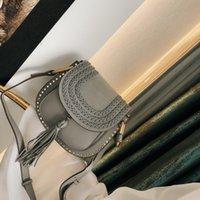 Schulter Rindsäcke Sattel gewebt Frauen Designer Kreuz Quaste Tasche Geflochtene Vintage Rivet Klassische Wildleder Handtaschen Körper Messenger B Awunu