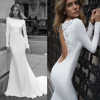 Abiti da sposa sexy Backless Satin Mermaid Abiti da sposa con 3D Appliqued maniche lunghe Beach Wedding Dress plus size abiti da noiva