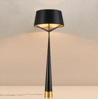 포스트 현대식 바닥 램프 블랙 라이트 테이블 금속 침실 학습 거실 호텔 플랫 아파트 E27 전구