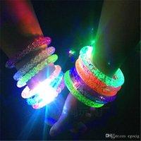 luce del LED fino braccialetto infiammante lampeggiante cristallo braccialetto trasporto libero Partito acrilico braccialetto luminoso LED luminoso regalo di Natale