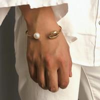 Pearl Shell Charm Bracelet Cuff aperto braccialetto per le donne Bohemian bracciali d'oro di colore Cowrie Bangles Beach gioielli Mujer Pulseras