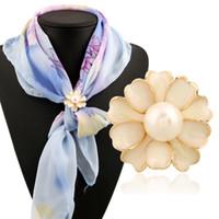 Kadınlar Bayanlar Gümüş Altın Kaplama Moda Rhinestone İnci Çiçeği Hicap Eşarplar Tokalar İçin Sıcak Satış Avrupa Taş Eşarp Toka Broş