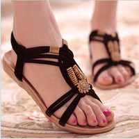 뜨거운 판매 - 여름 패션 플립 여성의 샌들 비치 샌들 문자열 구슬 블랙 탄력 밴드 플랫 신발 검투 사 Sandalias 여성을위한 무제
