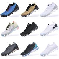 2020 Zapatos sin cordones Moc 2 2.0 zapatos para correr Triple Negro Mens del diseñador de las mujeres zapatillas de deporte de la mosca blanca Cojín punto capacitadores 36-45 Zapatos