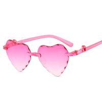 Neue bunte Allmähliche Karikatur-Liebes-Kind-Sonnenbrille Randlos Pfirsich-Herz-Kinder-Sonnenbrillen Ein Stück 6 Farben Großhandel