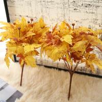 همية مصطنعة ورقة صفراء مابل ليف محاكاة أوراق الزفاف ديكور المنزل وهمية النبات الاصطناعي الأصفر باقة خريف الديكور