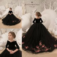 2019 Vintage Flower Girl Dresses Bateau Neck Velvet Long Sle...