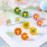 Petit Daisy Boucles d'oreilles pour les femmes Sweet Girls bonbons couleur Sun Flower dormeuses élégant mignon boucle d'oreille Bijoux Cadeau fête de Noël