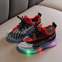 Bunte LED-Schuh-Sommer-Licht-Turnschuhe Kind-Breathable Anti Slip Kleinkind-Jungen-Schuh-Baby-Sport-Trainer Mädchen Größe 21-30