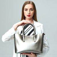 2020 جديدة ذات جودة عالية حقيبة جلدية ورنيش ركاب حقيبة يد السيدات ذات سعة كبيرة حقيبة الكتف بلون سحاب سطح ناعم