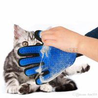 Собаки кошки игрушки груминг перчатки Зоотовары собака волос Deshedding щетка гребень перчатки для животных пять пальцев очистки массажных изделий 35