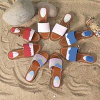 디자이너 에스 잠금 IT 플랫 뮬 여성 슬리퍼 특허 모노그램 캔버스 럭셔리 블루 여성 샌들 여름 해변 신발 Pantoufle 슬라이드 35-42