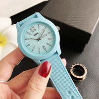 Крыбки крокодиловые кварцевые наручные часы для женщин Мужчины Унисекс с животноводственным набрательным силиконовым ремешком часов часы LA 12