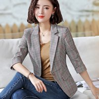 2019 The New Stripe Thin Section Suit Moda Casual Loose White Collar Suit Mujer Slim Solid Single Buckle Abrigo de manga corta