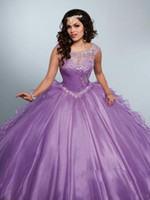 New Cheap Lilac Quinceanera Robe De Bal Robes Jewel Neck Cristal Perles Illusion À Volants Doux 16 Plus La Taille Robe De Soirée De Soirée Robes