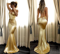 Economici Mermaid oro Prom Dresses Semplice morbido raso Sexy scollo a V Backless Draped Spaghetti Strap Long Party Dress Abiti da sera Custom Vintage