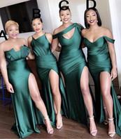 Baratos vestidos de dama más reciente diferente escote atractivo 2020 acanalado lado alto Dividir el vestido largo dama de honor vestidos de verde oscuro