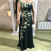 Elegante Hunter Green Mermaid Madre de los vestidos de novia Fuera de los hombros Apliques Desgaste formal Hasta el suelo Satin Wedding Guest Dress