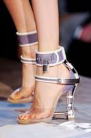 Bloqueo metálico mujeres Roma sandalias 10 colores señoras diamantes únicos tacones bombas Rihanna Peep Toe vestido de tacón alto zapatos de boda