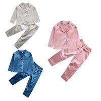 Нового Малыш Baby Boy девушка Silk Satin Top Pant Пижама с длинным рукавом Solid пуговиц Пижамы атласной Установить ребенок Sleepwear Nightgown