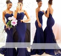 2019 bleu marine perlée dentelle sirène robe de bridemaid de longues sangles de spaghetti balayer train applique femme de ménage d'honneur robe de mariage