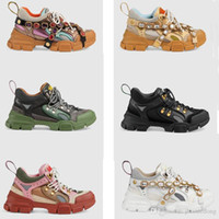Sports shoes for men and women in the spring and autumn of 2...