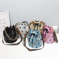 Famous Brand Women Female Bag Geometric Handbags Plaid Chain Shoulder Crossbody bags Laser Drawstring Luggages Diamond Bag HN374