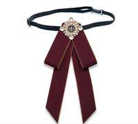 Toptan Kelebek Papyon Vintage Cameo Lady Başkanı Diamod Şerit Püskül Broş Chic Kızlar Zarif Kostüm Takı Yaka Pin Kız Cravat