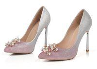 Bling Glitter Femmes Pompes Glissement Toe Glitter élégante perle fleur mince High Heels Mode Chaussures mariage Toe mariée Pompes Pointu