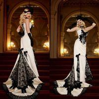 Vintage 2020 Weiß-Schwarz-Spitze Victorian Brautkleider Gothic-Schatz-Nixe-reizvolle langer Brautkleid Robe de mariée