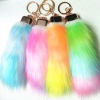 Regenbogen-Farben-Pelz Tails Schlüsselanhänger Faux Fox-Pelz-Autoschlüsselring Frauen Taschenanhänger Fuchspelz Schwanz Schlüsselanhänger