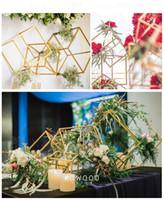 Praça Andar Vasos vaso de flores coluna de tripé, pilar de metal estrada Centerpieces casamento chumbo cremalheira Evento Decoração de Natal Partido