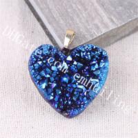 10st 20-25mm Small Mystic Titanium Coated Druzy Heart Pendant Guldpläterad Kantfärgad Färg Drusy Agate Pendants Charm Quartz Crystal Geode