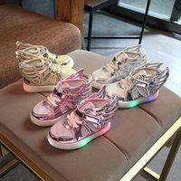 2017 Nouveau Moins Cher Printemps Automne Hiver Enfants Baskets Enfants Chaussures Chaussure Enfant ailes Filles Chaussures Avec Lumière LED
