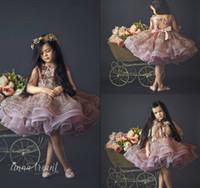 Sevimli Kısa Çiçek Kız Elbise Düğün Dantel 3D Çiçek Aplike Doğum Günü Giyim İlk Communion Elbise Glitter Lüks Kızlar Pageant Abiye