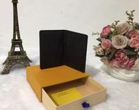 Europa y la bolsa de Estados Unidos PASAPORTE marca viajes cubierta de accesorios famoso titular de la tarjeta bolso del pasaporte de cuero de diseño de alta calidad billetera