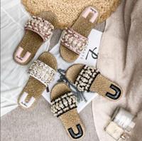 2019 Nuovi sandali da festa in spiaggia Scarpe comode Designer Perle Scarpe da viaggio Vacanze Scarpe da ballo per feste da sera 3 colori