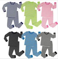 Crianças roupas de grife Meninas Natal Pijama Define Meninos Listrado Inverno Roupa de Noite Outono Tops Calças Wear Início Duas peças-roupa Sets D6917