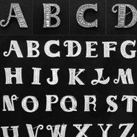 26 Broche de letra inicial con letra en la espalda Mujeres Rhinestone letra Broche Traje Sapa Pin DIY Joyería Accesorios